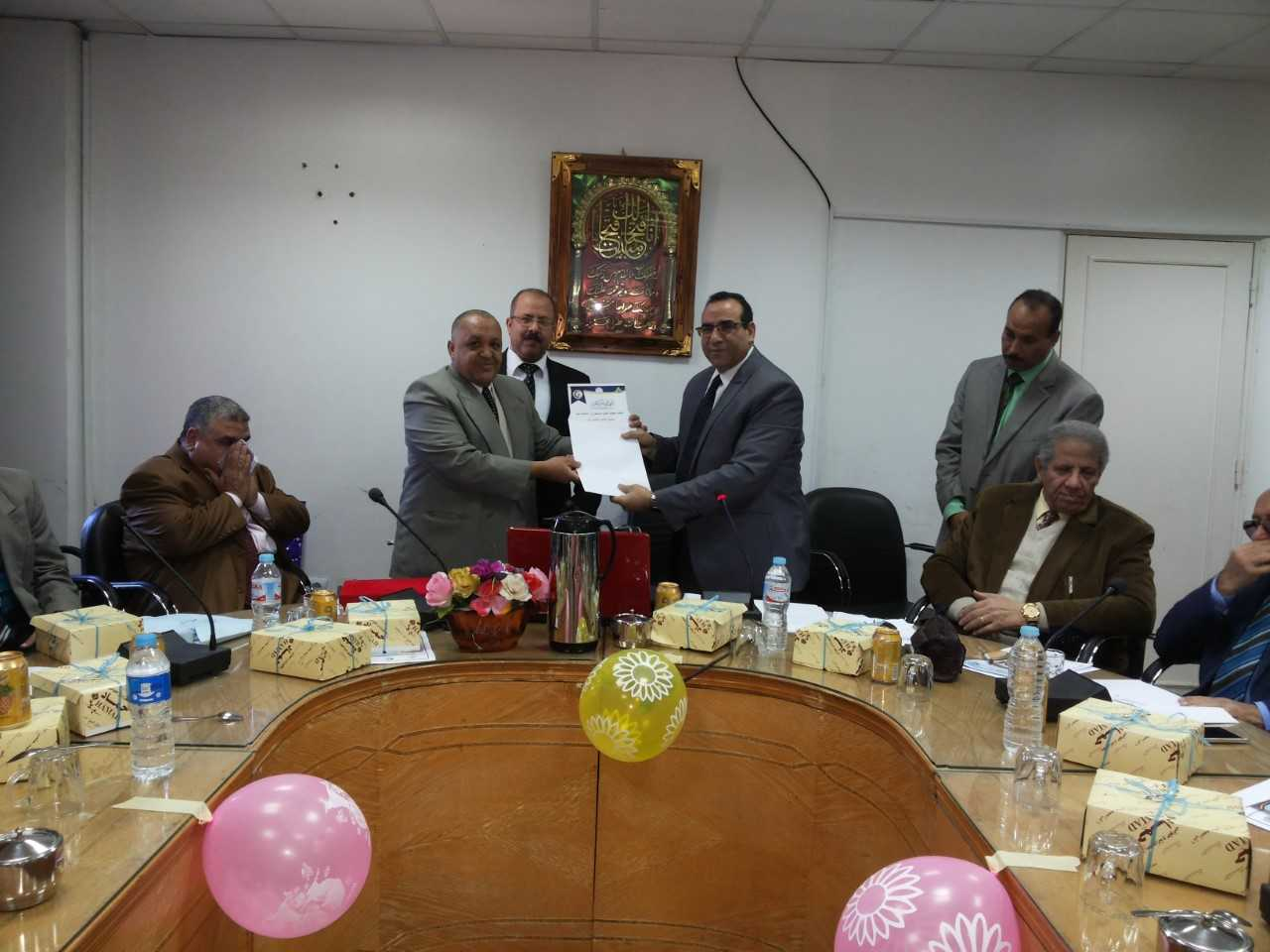 Ghanem honors Abu Salim in the faculty of veterinary medicine