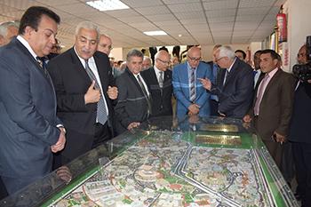 جامعة بنها تشارك في احتفالات جامعة السادات