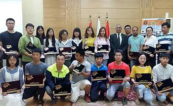 فى ختام زيارتهما للجامعة: بنها تكرم طلاب يوهان ووسط الصين