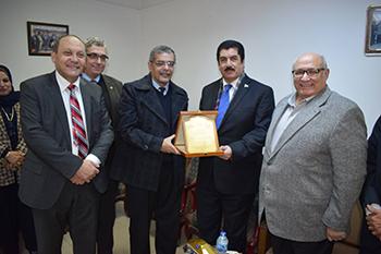 المغربى يستقبل أساتذة الجراحة فى الجامعات المصرية