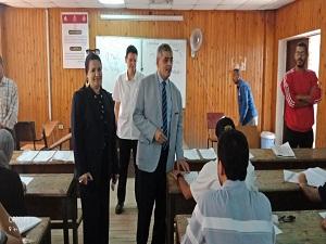 المغربى يتفقد الإمتحانات بكليتي «التجارة والأداب» ويؤكد على انتظام وهدوء اللجان