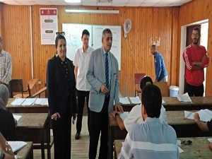 El Maghraby inspects the Final Exams at Faculties of Commerce and Arts.