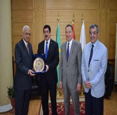 El Saeed honors Faculty of Commerce's Dean