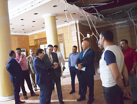 السعيد يتفقد أعمال تجديدات قاعة مجلس الجامعة