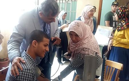 «المغربى» يتفقد إجراءات الكشف الطبي على الطلاب الجدد بجامعة بنها