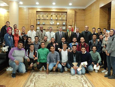 رئيس جامعة بنها: اتحادات الطلاب مدرسة حقيقية للقيادات والكوادر الشابة