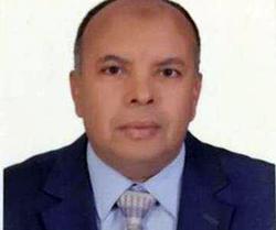 مصطفى راشد العبادي عميدا لتجارة بنها