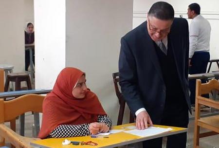 رئيس جامعة بنها يتفقد لجان الإمتحانات والمعامل والورش بكليات الحاسبات والفنون والتربية الرياضية