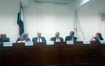 ندوة تثقفية عن التوعية بالأمن الصناعى والسلامة الطبية داخل المعامل بجامعة بنها
