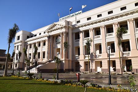 جامعة بنها تعلن عن حاجتها لشغل الوظائف القيادية بوظائف الإدارة العليا بالجامعة