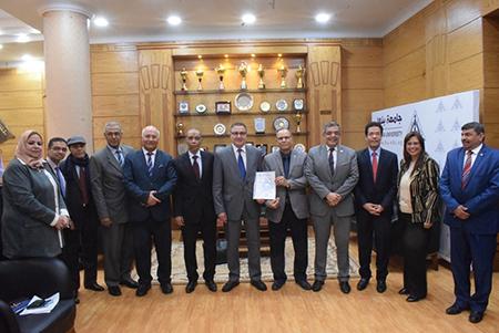 جامعة بنها تحصل على تجديد شهادة الجودة أيزو 9001- 2015