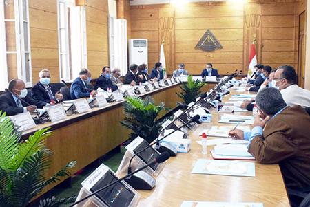 «السعيد» يترأس اجتماع مجلس جامعة بنها