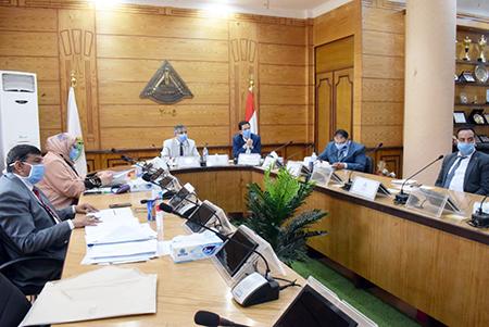 بلغ عددهم 18 متقدمًا: لجنة قيادات جامعة بنها تستقبل المتقدمين للوظائف الاشرافية بالجامعة